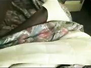 Una donna matura sesso a letto con un uomo nero